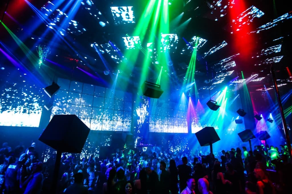 Flowy-Light-Club-Vegas-F71-On-Simple-Image-Selection-with-Light-Club-Vegas[1].jpg